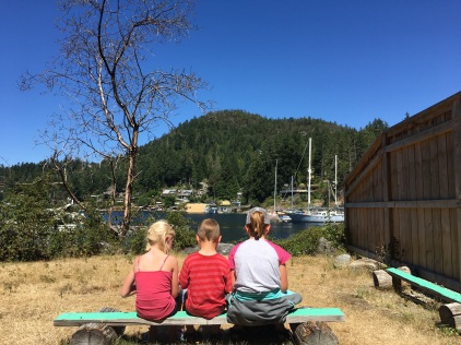 Pender Harbour, waiting for laundry